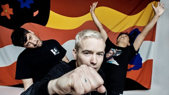 AVALANCHES - General Use Image - June 2016 sm